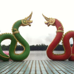 Photo taken at วัดสมานรัตนาราม (Wat Samanrattanaram) by Pisut N. on 3/16/2013