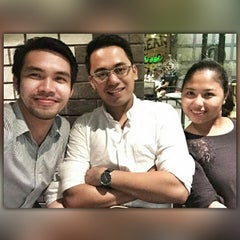 Photo taken at The Coffee Bean & Tea Leaf by Gilbert M. on 6/21/2015