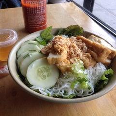 Photo taken at Hanco's Bubble Tea & Vietnamese Sandwich by Leah K. on 6/28/2014