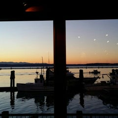 Photo taken at Anthony's Homeport by Donny D. on 11/26/2015