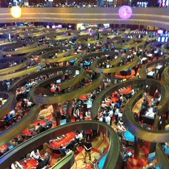 Photo taken at Marina Bay Sands Casino by Shelestim 👑 on 5/23/2013