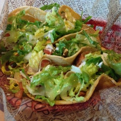 Photo taken at Chipotle Mexican Grill by Snail V. on 2/6/2013