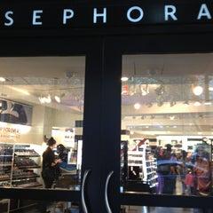 Photo taken at Sephora by Manu J. on 4/16/2013