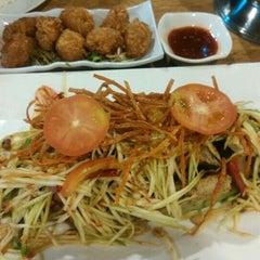 Photo taken at Restoran Sala Thai by MaRk e. on 9/11/2015