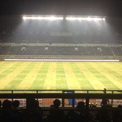 Photo taken at Stadion Gelora Bandung Lautan Api (GBLA) by Pupung P. on 10/2/2014
