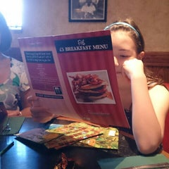 Photo taken at Frankie & Benny's by Mickey C. on 8/30/2013
