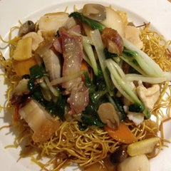 Photo taken at HK Diner 荷李活 by Tanoooshka on 5/17/2013