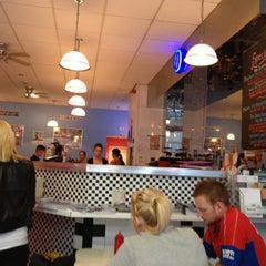 Photo taken at Stateside Diner by Rosalynn L. on 10/6/2012