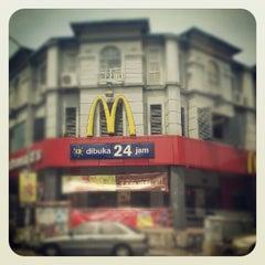 Photo taken at Taipan Subang USJ by Im'juz C. on 9/30/2012