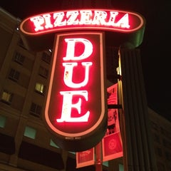 Photo taken at Uno Pizzeria & Grill - Chicago by Kevin V. on 10/2/2012