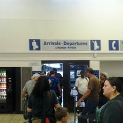 Photo taken at Greyhound Bus Lines by Gustavo T. on 7/9/2014