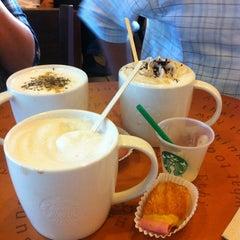 Photo taken at Starbucks (สตาร์บัคส์) by Kachayasorn C. on 3/14/2013
