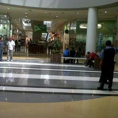 Photo taken at BoaVista Shopping by Edesan T. on 10/17/2012