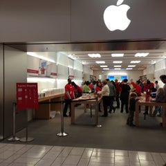 Photo taken at Apple Store, Stoneridge Mall by Stanford F. on 12/7/2012