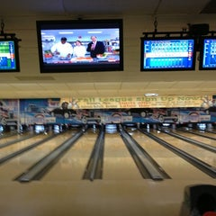Photo taken at Flaherty's Arden Bowl by Mr. E. on 9/29/2012