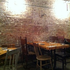 Photo taken at Hecho en Dumbo by Eric E. on 9/29/2012