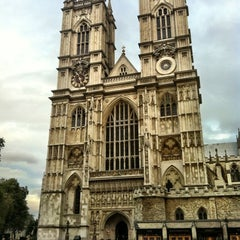 Photo taken at Westminster Abbey by ☀ Jelena ✈ on 10/29/2012