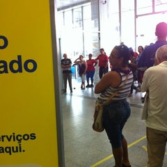 Photo taken at Banco do Brasil by Leo T. on 1/4/2013