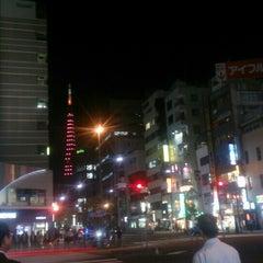 Photo taken at 大門 交差点 by w m. on 9/30/2015