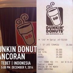 Photo taken at Dunkin Donuts Pancoran by HERBALIFE C. on 12/9/2014