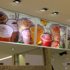 Photo taken at Gong Cha 贡茶 by Andrew L. on 3/21/2013