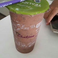 Photo taken at Chatime by Fieza M. on 4/27/2016