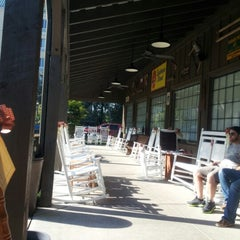 Photo taken at Cracker Barrel Old Country Store by Vicky K. on 9/23/2012