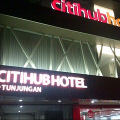 Photo taken at Grand CitiHub Hotel @TUNJUNGAN by andreanto p. on 10/11/2012
