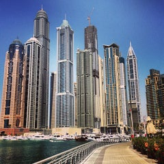 Photo taken at Dubai Marina Walk ممشى مرسى دبي by Pinay Flying H. on 3/31/2013
