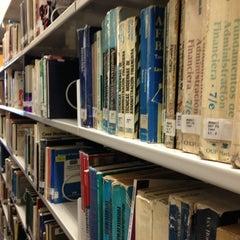 Photo taken at Biblioteca USBI by Luis Alberto G. on 2/28/2013