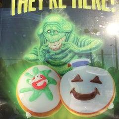 Photo taken at Krispy Kreme Doughnuts by Asako V. on 9/29/2014