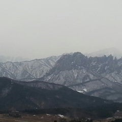 Photo taken at 한화리조트 설악 별관 by 이재원 고. on 2/17/2013