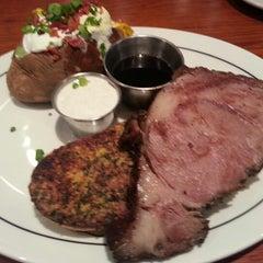 Photo taken at Saltgrass Steak House by Ramon C. on 11/11/2012