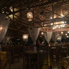 Photo taken at Restoran Istana Bambu by Wany S. on 1/29/2016