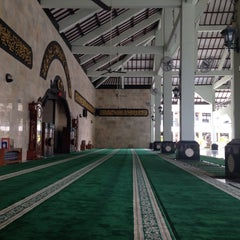 Photo taken at Masjid Agung Sudirman by Ary E. on 11/10/2015