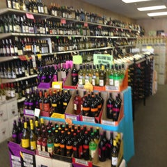 Photo taken at Lake Liquor Fine Wine & Liquor by Howard K. on 5/3/2013