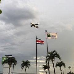 Photo taken at Holiday Inn Express San José Aeropuerto by Marta C. on 9/6/2015