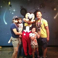 Photo taken at Mickey's House and Meet Mickey by Hubert L. on 7/2/2013