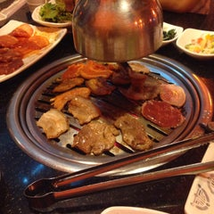 Photo taken at 람람 Lum Lum Korean Restaurant อาหารเกาหลี ล้ำลำ by 🍦Poyy ค. on 5/30/2015