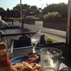 Photo taken at Woodward Avenue Brewers by Elizabeth W. on 6/19/2013