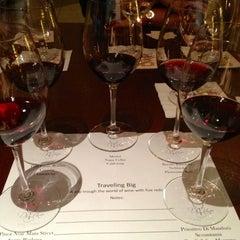 Photo taken at Di Vino Wine & Tapas by Noelia M. on 9/19/2012