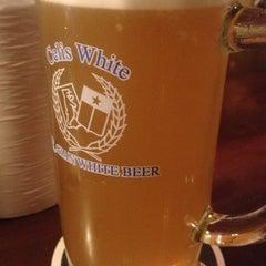 Photo taken at 麦酒本舗 by Haruhiko Y. on 12/25/2012