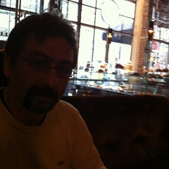 Photo taken at Brasserie Pushkin by Guvenc A. on 11/10/2012