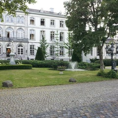 Photo taken at Van der Valk Hotel Kasteel Bloemendal by Rob on 7/29/2013