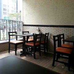 Photo taken at Stillus Burger by Richard M. on 1/18/2013