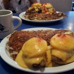 Photo taken at Uptown Diner by Matt L. on 9/14/2012