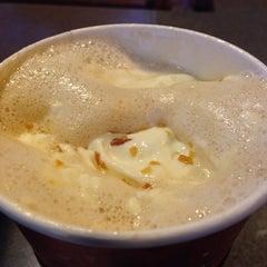 Photo taken at Starbucks by Gokcen B. on 11/22/2013