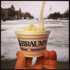 Photo taken at Braum's Ice Cream & Dairy Store by Anthony G. on 12/7/2013