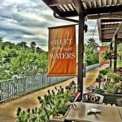 Photo taken at SweetWaters on the River by Fawzi A. on 8/13/2014