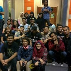 Photo taken at Universitas Persada Indonesia Y.A.I by Naninuneno Nandung S. on 7/11/2014